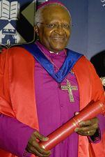 Desmond Tutu recieving honorary degree