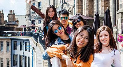 Photo of international summer school students in Edinburgh city centre