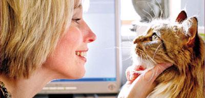 Danielle Gunn-Moore, Professor of Feline Medicine, with a cat.
