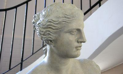 The Venus de Milo cast on the ground floor of the School