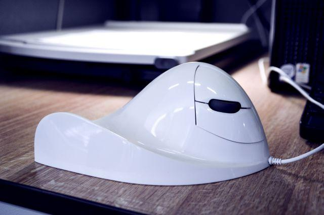 E-Quill-AirO2bic Mouse, Pearl, right handed