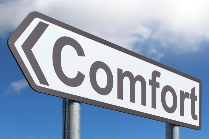 Road sign with the words 'comfort' written on it