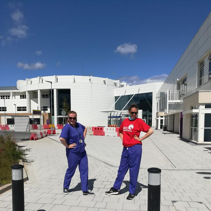 Edinburgh Imaging RIE radiographers, Charlotte (left) & Lucy (right), outside the EIF RIE.
