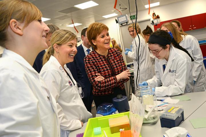First Minister with EBSOC Officer Jayne Quoiani delivering a workshop to pupils from Musselburgh.