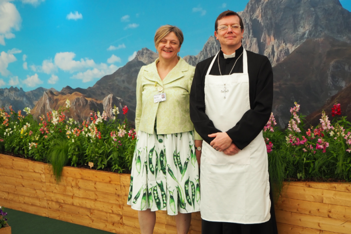 Professor Pea with Mendel at the Chelsea Flower Show