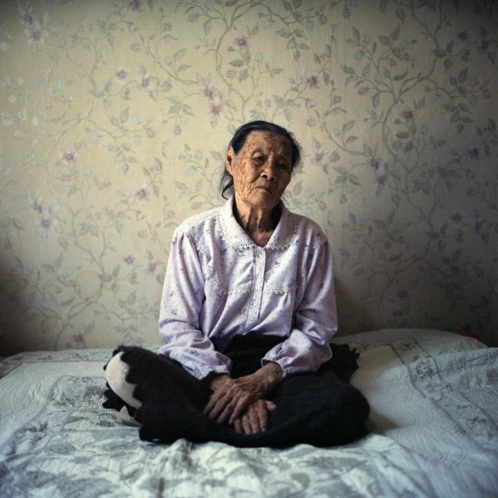 Sung-ok Tigay, 92, was deported from Vladivostok aged 13 and lost her parents soon after. Ushtobe, Kazakhstan. September 2014.