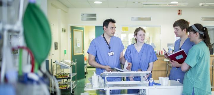 NHS staff on the ward