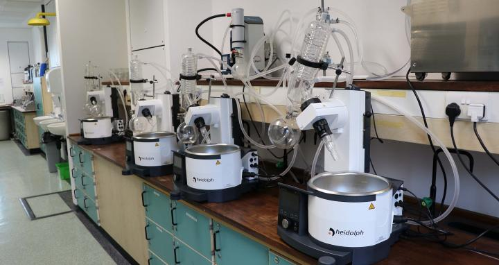 Multiple rotary evaporators connected to one chiller