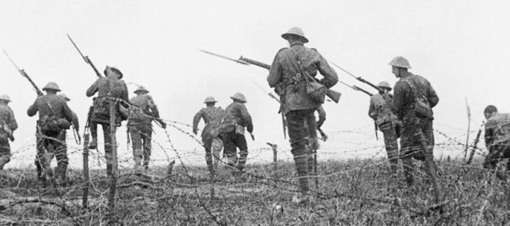 Still image from the film The Battle of the Somme showing a staged attack