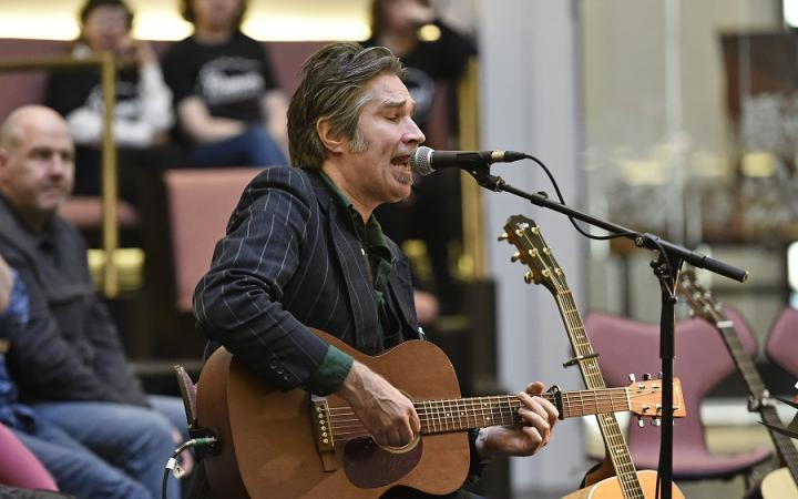 Justin Currie, Songs in the Round