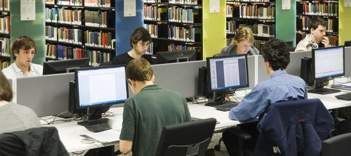 Photo of students using computers in the Main Library