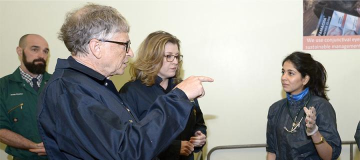 Bill Gates and Minister Penny Mordaunt at Easter Bush