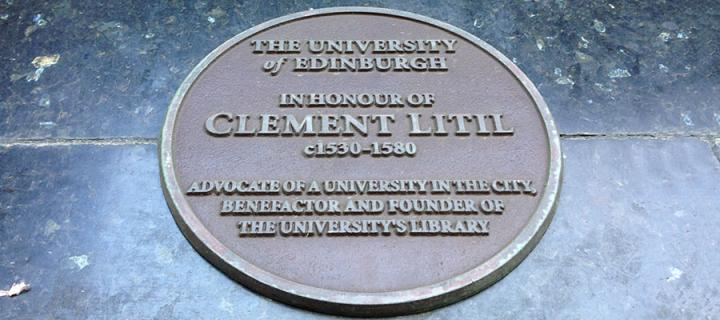 Litil plaque