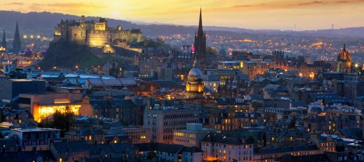 An image of the Edinburgh skyline at dusk