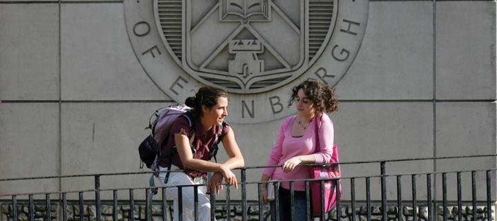 St Leonard's Land University Crest