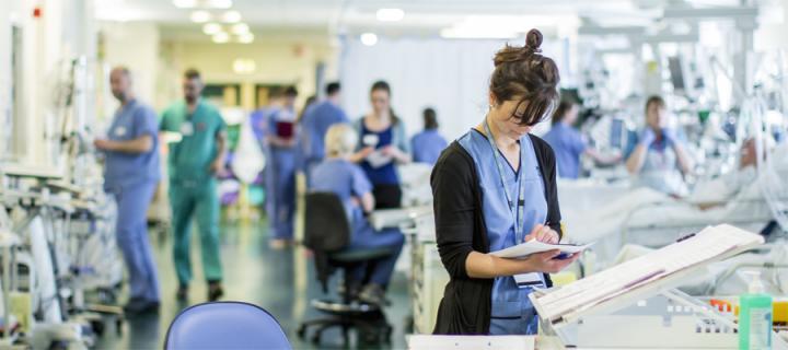 Nurse in ICU ward