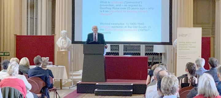 John Frank delivering the IHDP annual lecture 2019