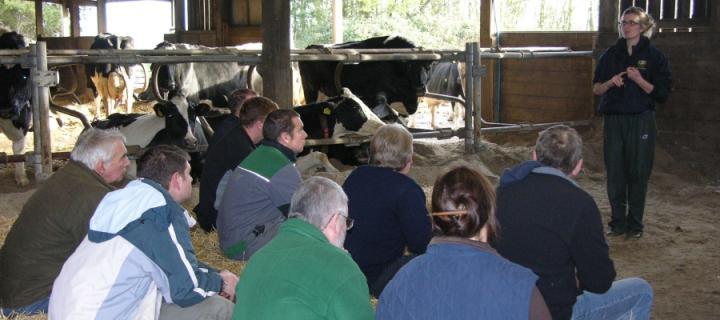 Vet talk to farmers