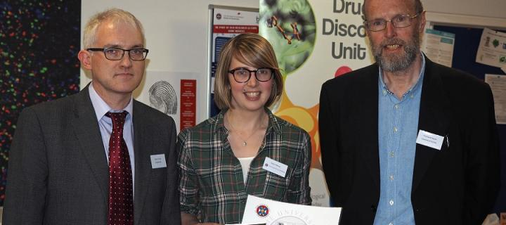 Robyn Macrae receiving her prize for winning the Honours Pharmacology Oral prize 2017