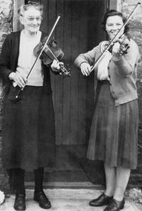 Two women with violins