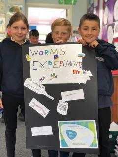 Pupils were ready to present their worm experiments